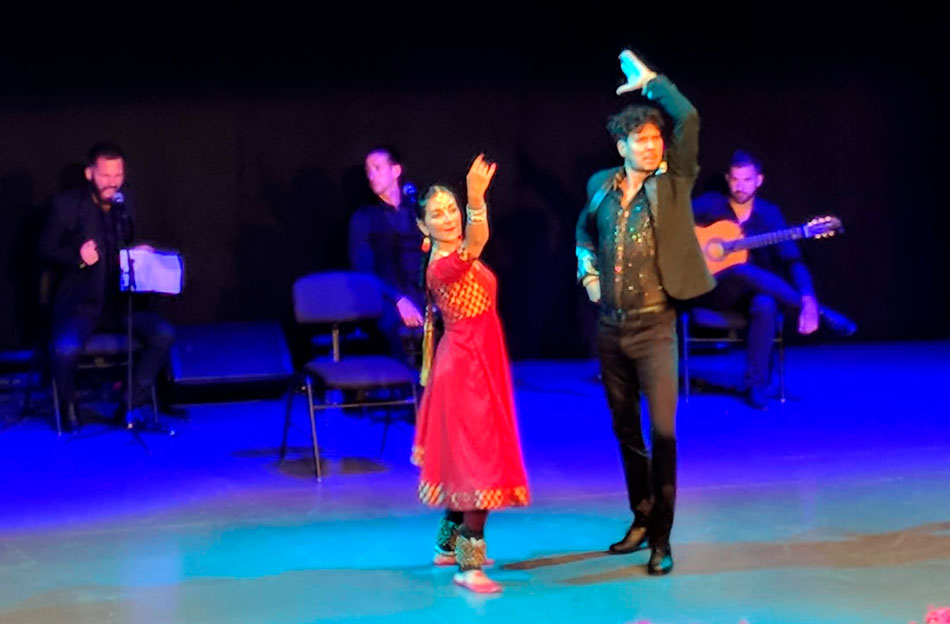 espectaculo-danza-india-50-aniversario-vicente-ferrer